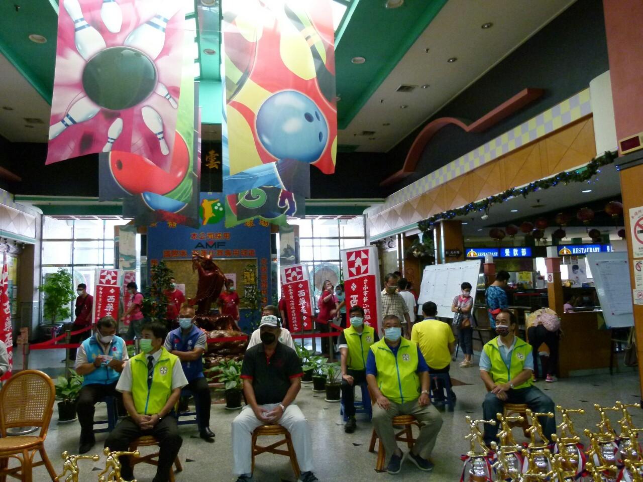 110年度公益活動臺南市西藥盃身心障礙者保齡球賽於黃金保齡球館舉行。_210830_34