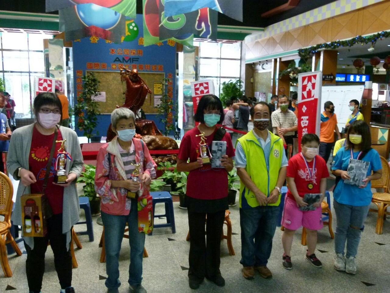110年度公益活動臺南市西藥盃身心障礙者保齡球賽於黃金保齡球館舉行。_210830_35