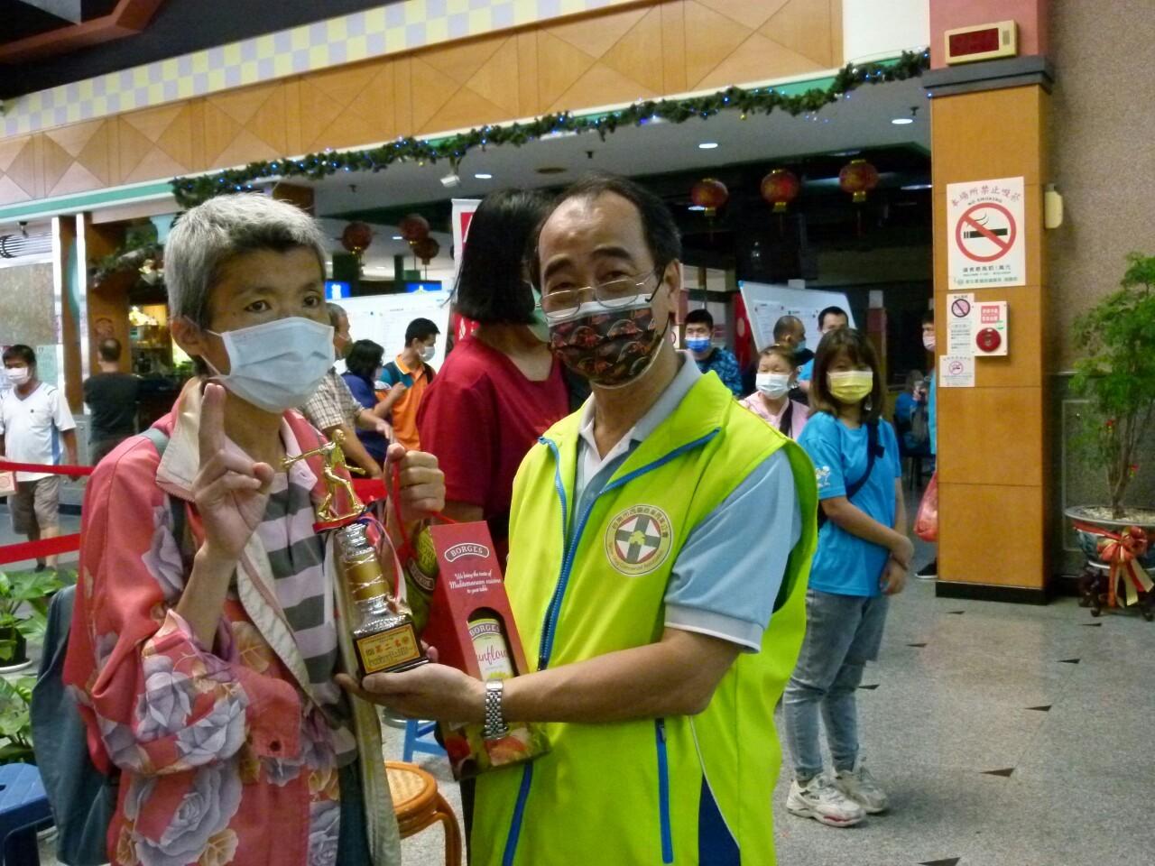 110年度公益活動臺南市西藥盃身心障礙者保齡球賽於黃金保齡球館舉行。_210830_37