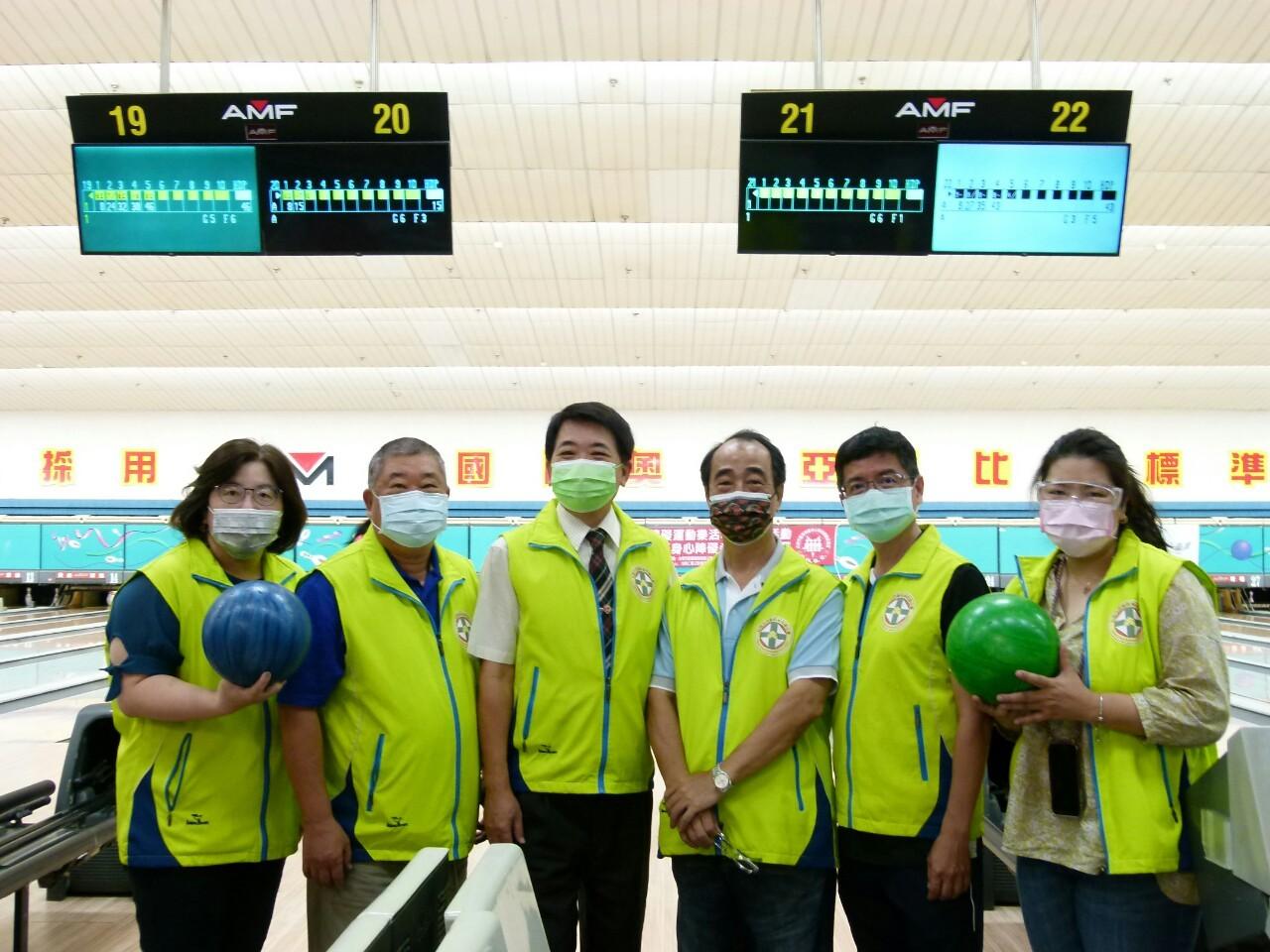 110年度公益活動臺南市西藥盃身心障礙者保齡球賽於黃金保齡球館舉行。_210830_48